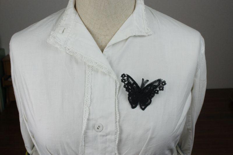 画像1: アンティーク ベルギーレース/蝶々のブローチ (1)