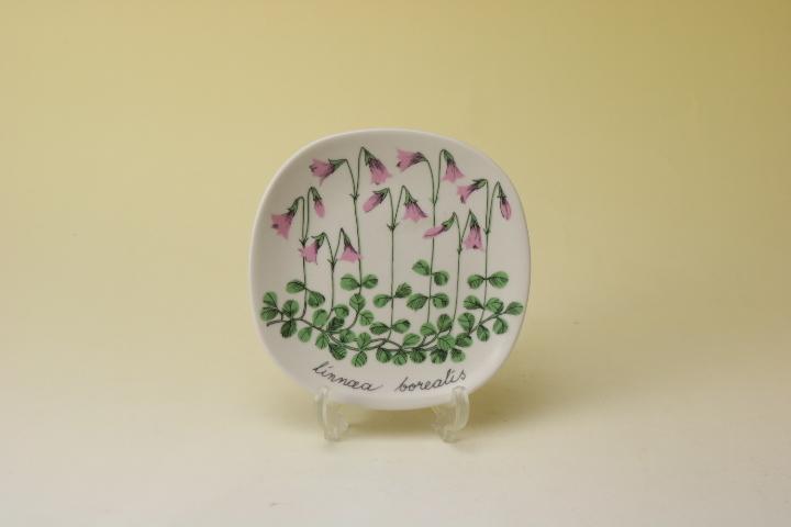 画像1: ARABIA Botanica Linnea Esteri Tomula/アラビア ボタニカ ウォールプレート リネア (1)
