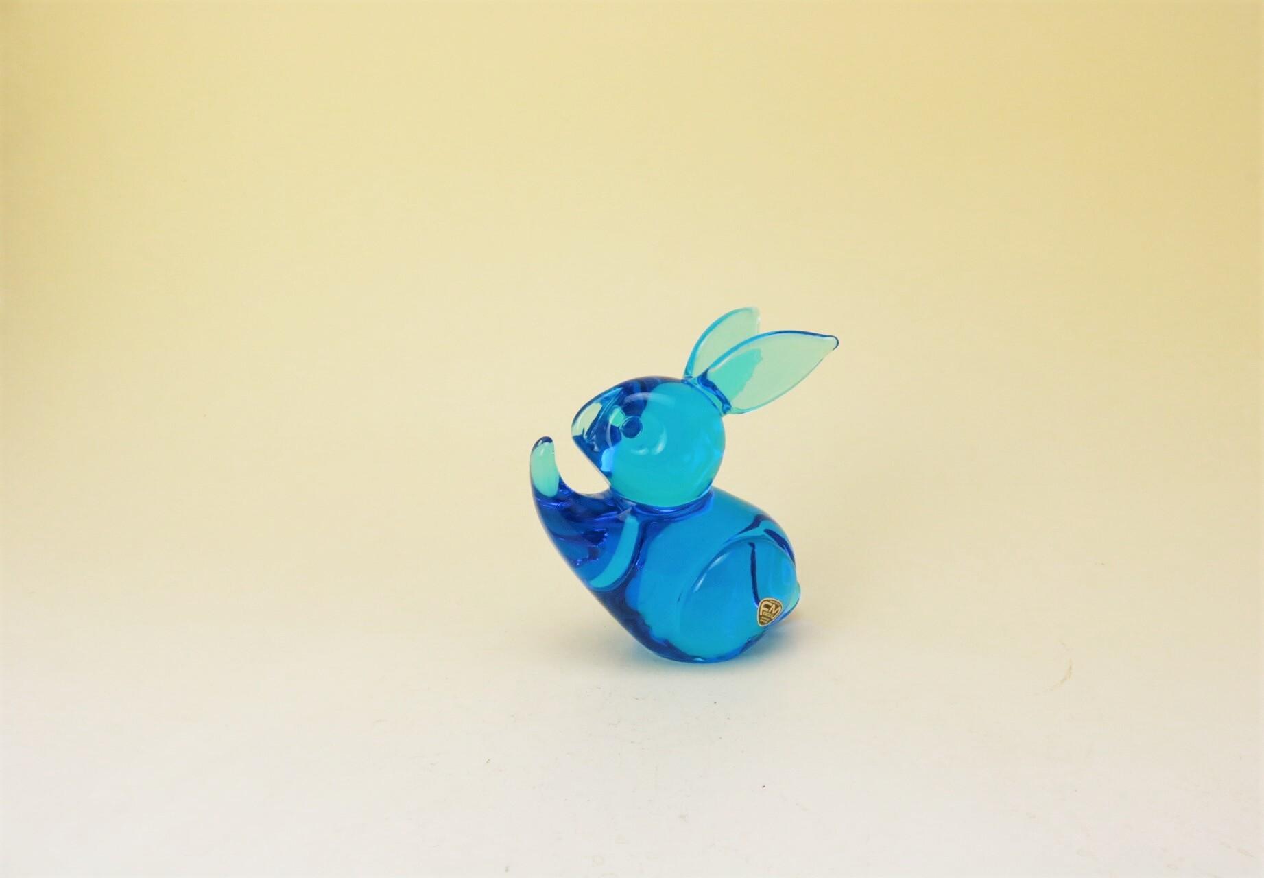 画像1: FM Konstglas Ronneby Sweden Rabbit/クリスタル ガラスの碧いうさぎ (1)